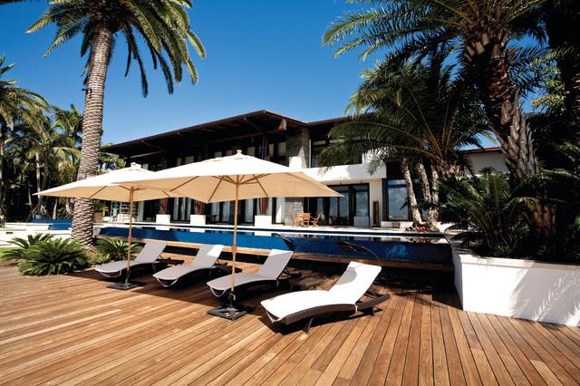 Miami beach tropical patio miami by aquatic consultants inc for Miami swimming pool contractors