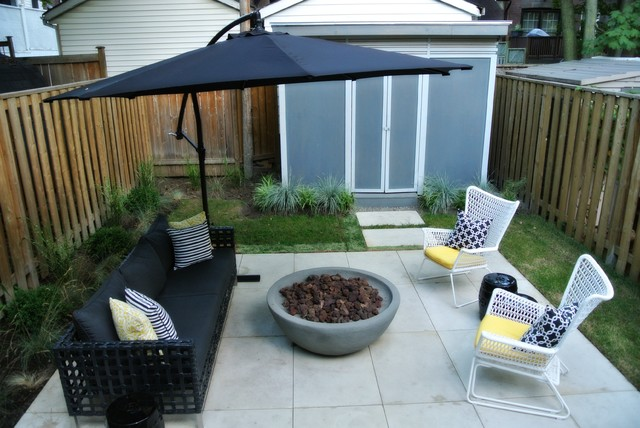 Mid Century Modern Glam Urban Backyard With Fire Pit