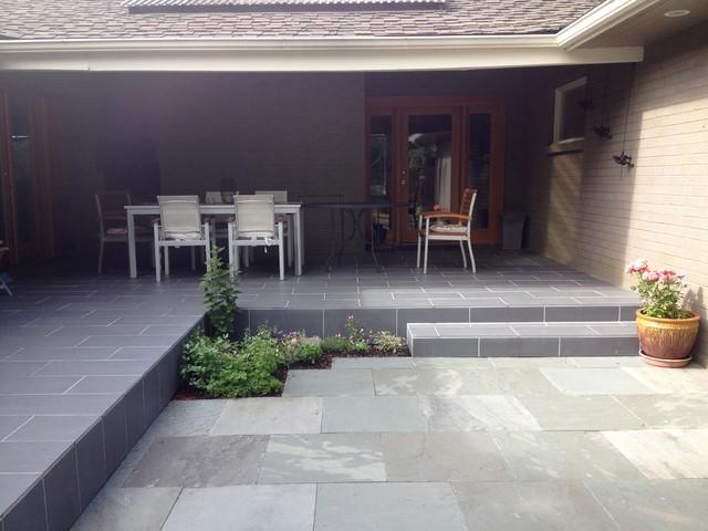 Mid Century Modern in Edmonds midcentury-patio