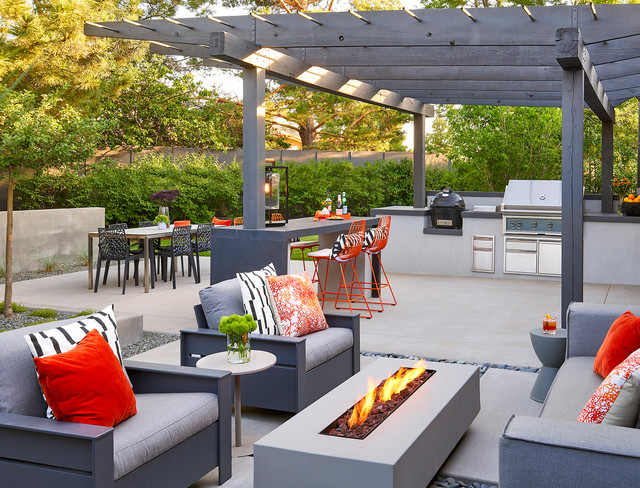 Outdoor Living Spaces Transform 4 Yards, Outdoor Living Spaces
