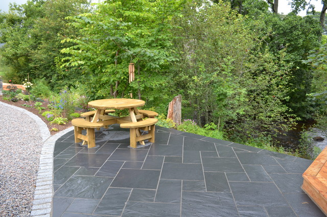 Midnight Blue Slate Patio Edged With Granite Setts Traditional Patio