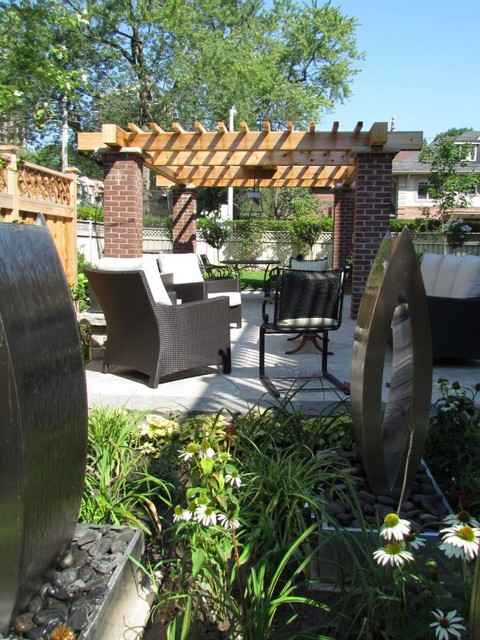Midtown Oasis traditional-patio
