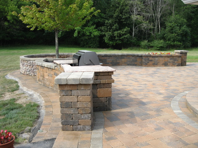 milford project traditional-patio