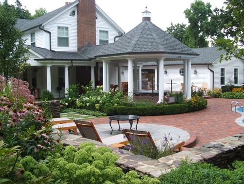 Milieu Design traditional patio
