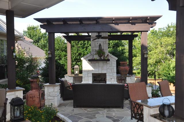 Mira Vista traditional-patio