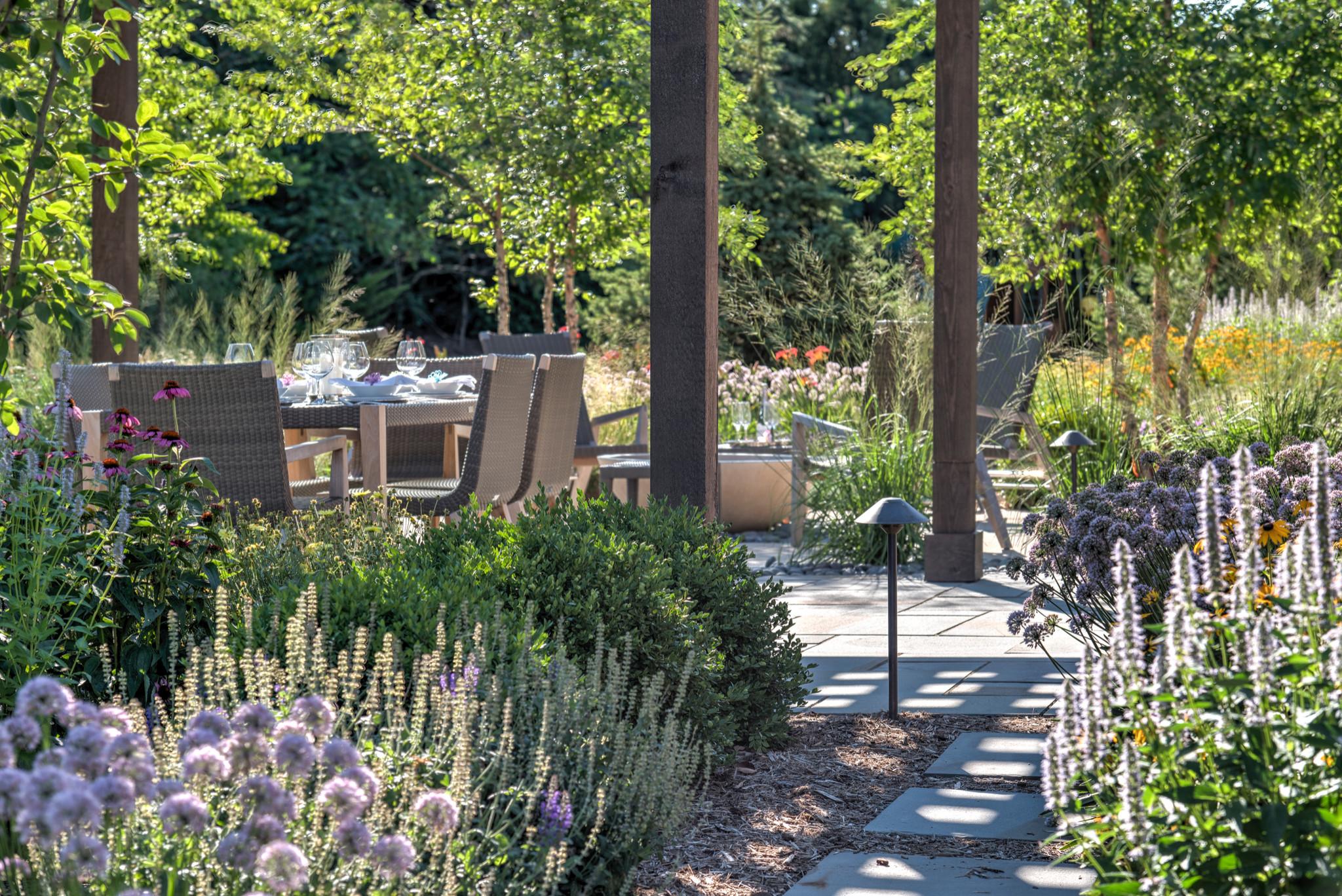 Modern Backyard Landscape - Mequon