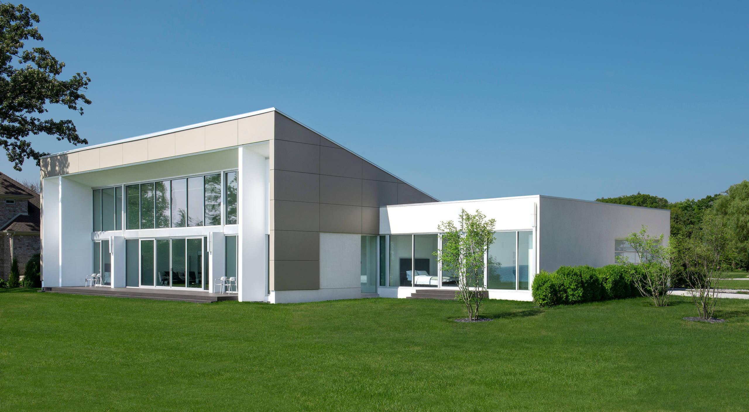 Modern Backyard Landscape - Racine