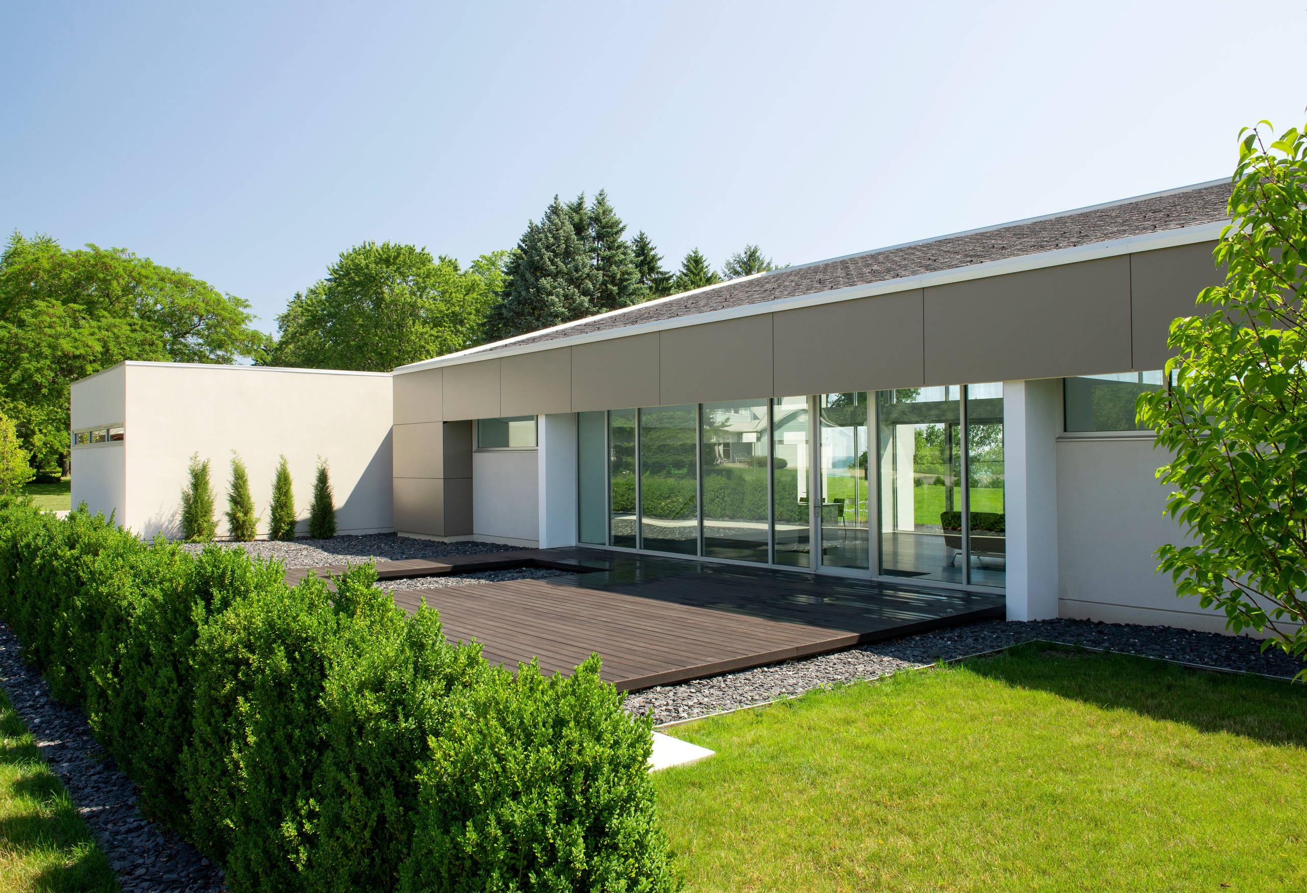 Modern Deck - Racine