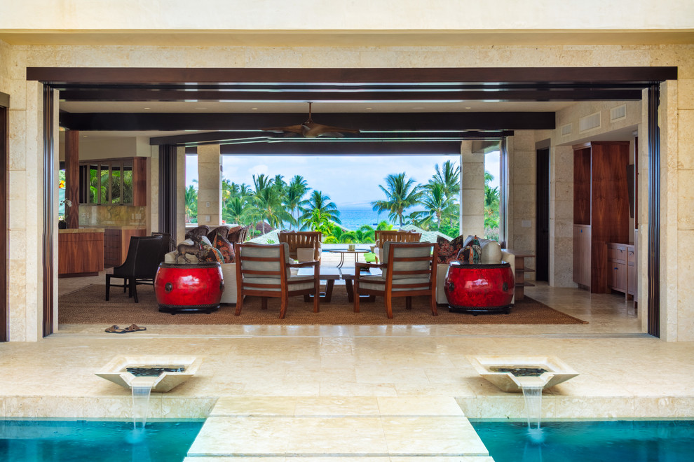 Example of a large island style patio design in Hawaii