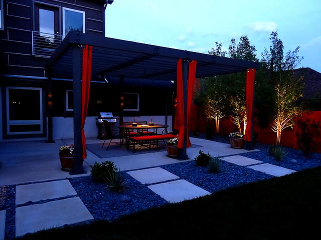 Outdoor Dining Space contemporary-patio