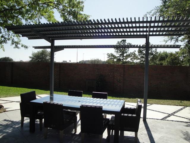 Modern outdoor living space contemporary patio for Contemporary outdoor living spaces