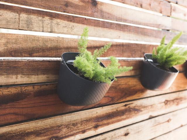 Orti verticali e sospesi best il giardino in vaso with for Fioriera verticale ikea