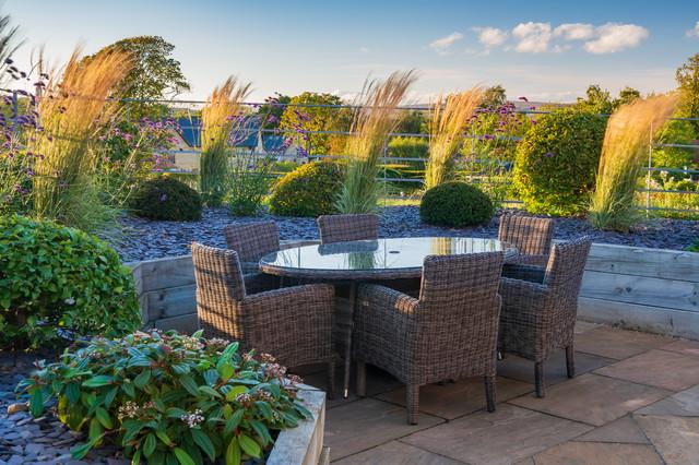 Modern, rural planting design. Menston, West Yorkshire ...