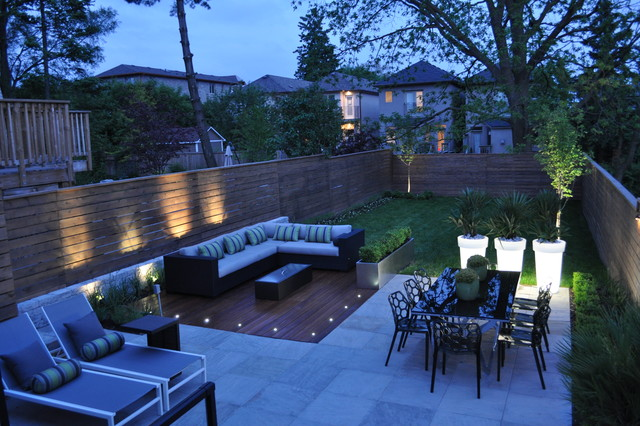 Modern toronto backyard for Modern backyard ideas