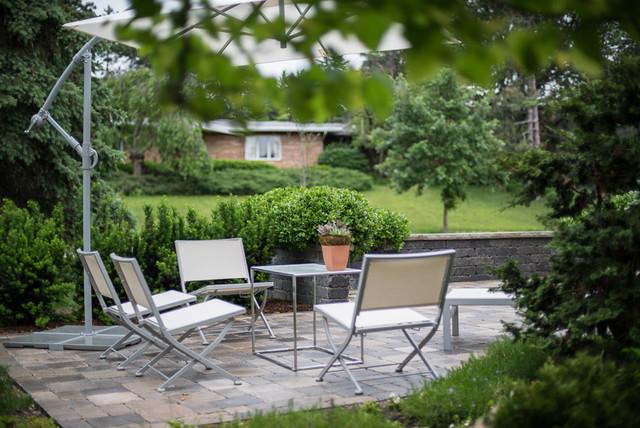 Modern Zen Garden Courtyard contemporary-patio
