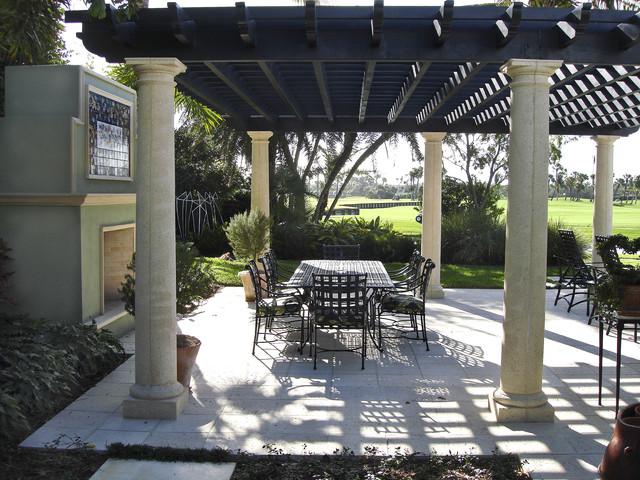 Mr. and Mrs. David Hoak Residence mediterranean-patio