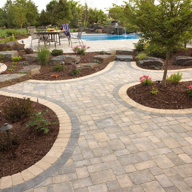 Multi Purpose Patio Paver Patio With Curves And Borders Traditional Minneapolis