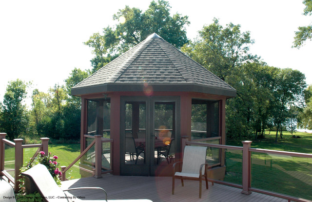 Muskego, Wisconsin Residence traditional-patio