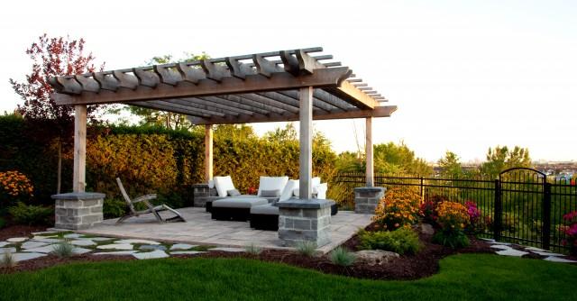 Nancy Roy traditional-patio