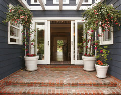 Nantucket in So Cal traditional-entry