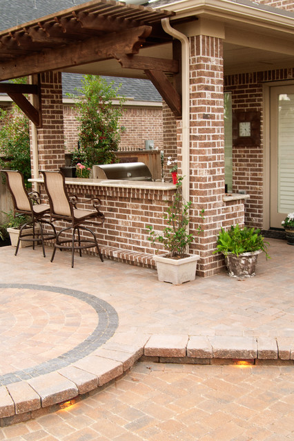 New Orleans Style Backyard Garden Traditional Patio