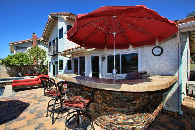 NEW POOL & SPA, OUTDOOR KITCHEN AND FIREPIT