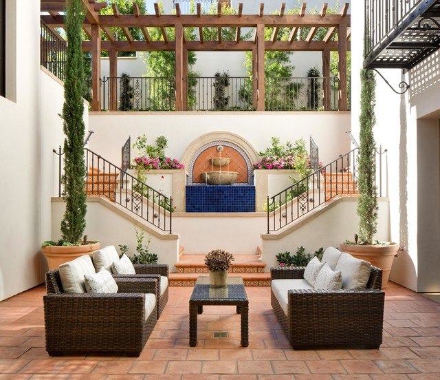 spanish style courtyard design