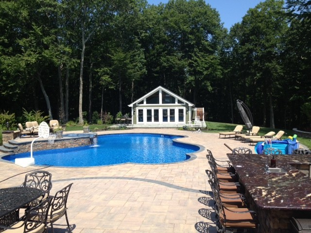 Backyard Getaways Herrin Il : Nissequogue Backyard Getaway  Patio  new york  di Cambridge