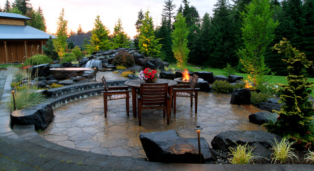 Northbend Backyard Resort traditional-patio