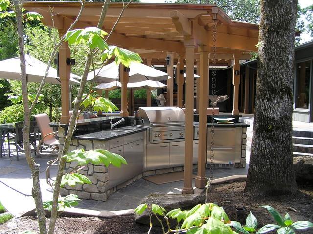 Northwest portland outdoor kitchen traditional patio for Patios portland oregon