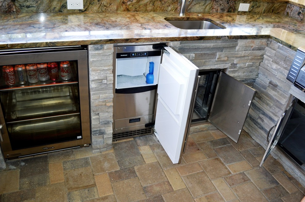 What You Need to Know Before Purchasing an Outdoor Ice Maker