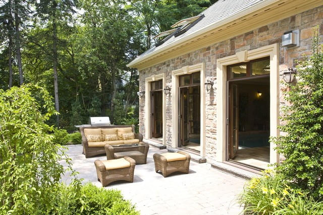 Old Farm contemporary-patio