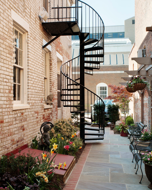Old Town Alexandria Va Townhouse Traditional Patio New York By Missie Fahey Inc