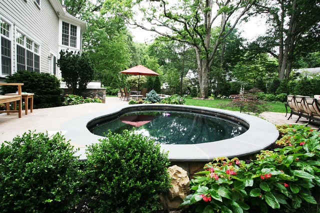 OUTDOOR AUDIO AND LIGHTING traditional-patio