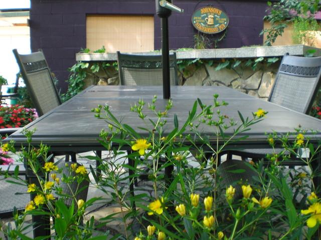 Outdoor Bar contemporary-patio