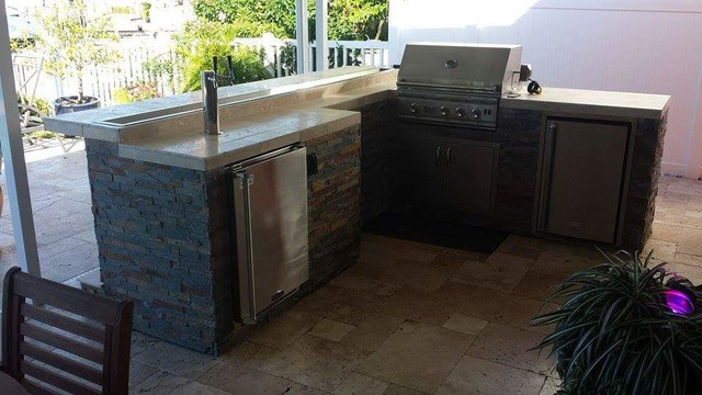 Outdoor Kitchen With Kegerator : Outdoor bbq bar w kegerator and fire pan on