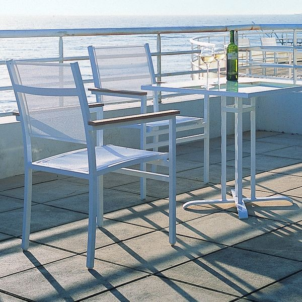 Outdoor Bistro Table and Chairs Outdoor Pub And Bistro Sets chicago by