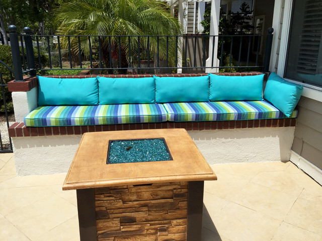 Outdoor Built In Bench Seating Cushions Beach Style Patio