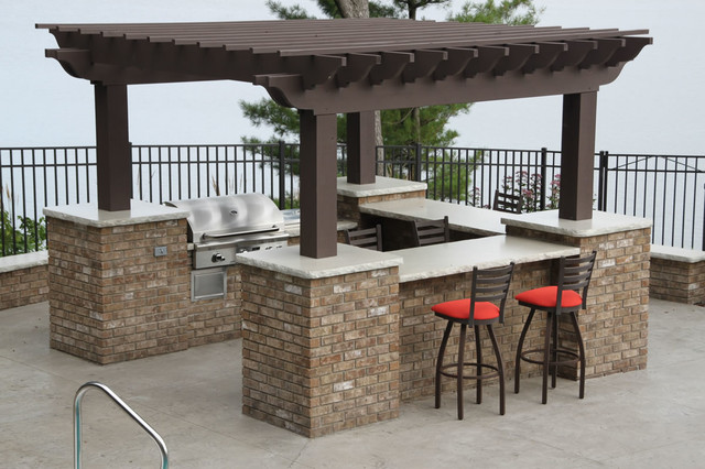 Outdoor Entertainment Area traditional-patio