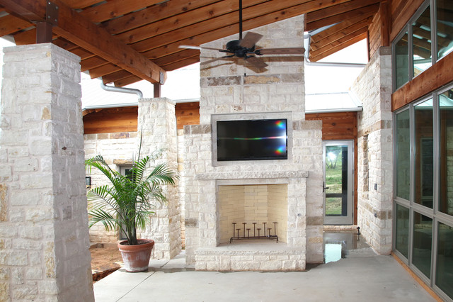 Outdoor Entertainment Area With Tv Rustic Patio