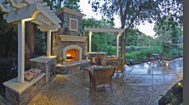 Outdoor Fireplace and seat walls traditional-landscape
