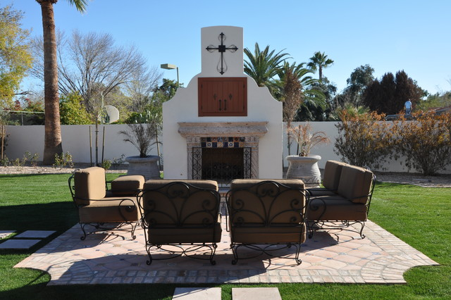 Outdoor Fireplace W Seating Area Southwestern Landscape