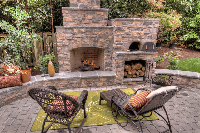 Outdoor fireplace with pizza oven traditional patio for Outdoor fireplace designs plans