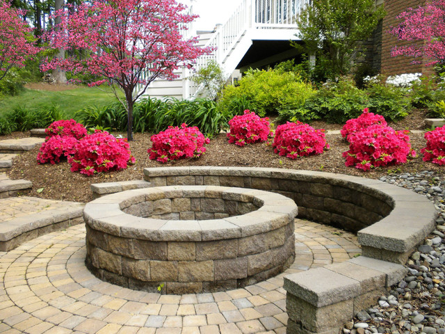 Outdoor Fireplaces and Firepits traditional-patio