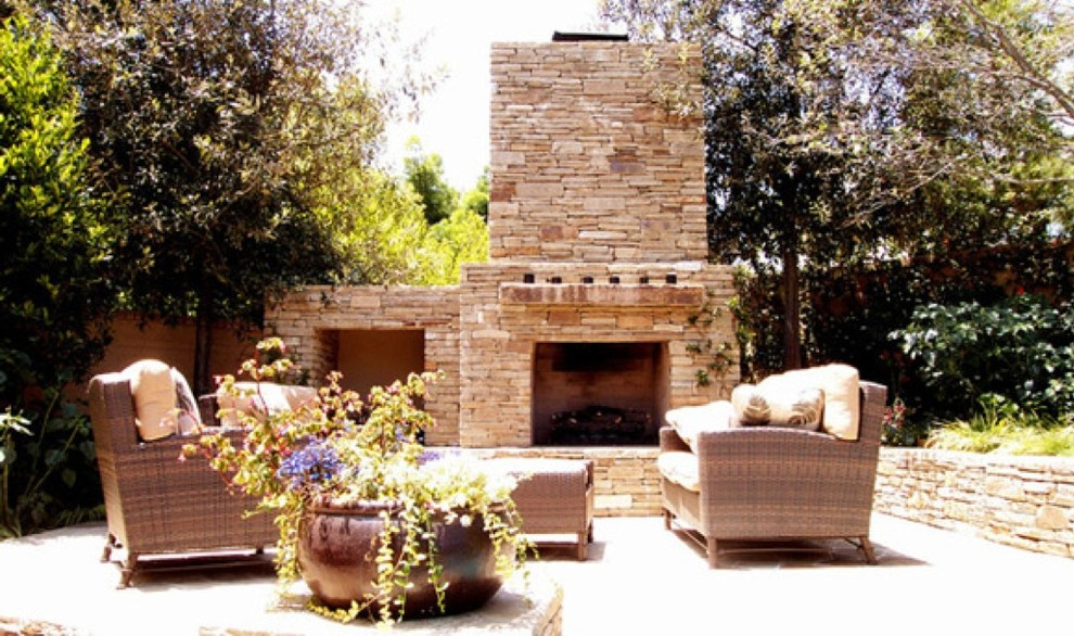 Outdoor Fireplaces & Patios