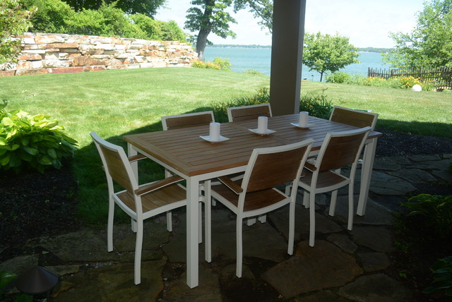 Outdoor furniture for Traditional garden furniture