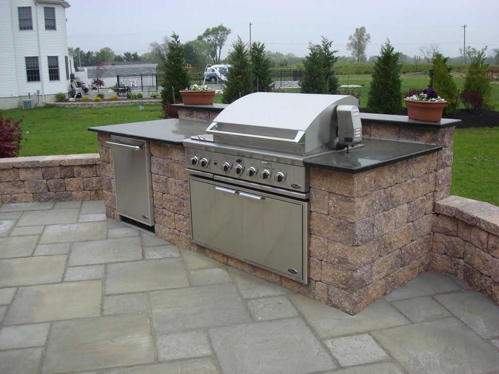 outdoor grill - Traditional - Patio - New York - by ... on Patio Grill Design id=39961