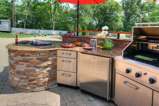 Outdoor Kitchen - Midcentury - Patio - st louis - by Adrienne Nienkamp