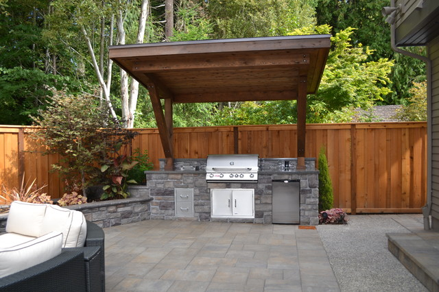 Outdoor Kitchen - Traditional - Patio - Portland - by All Oregon ...