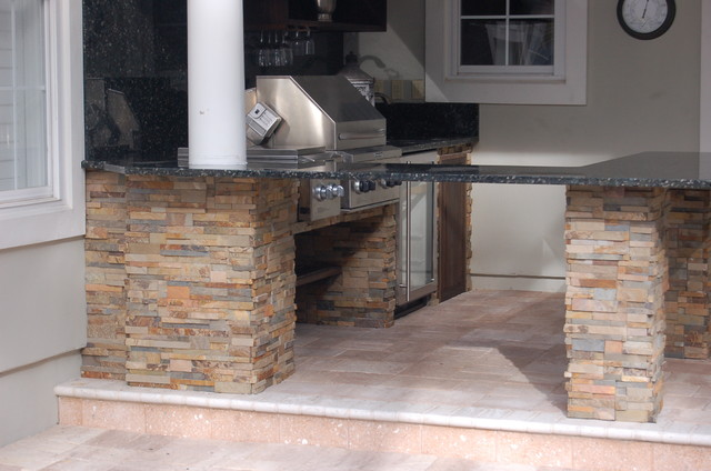 Outdoor Kitchen & Fireplace patio